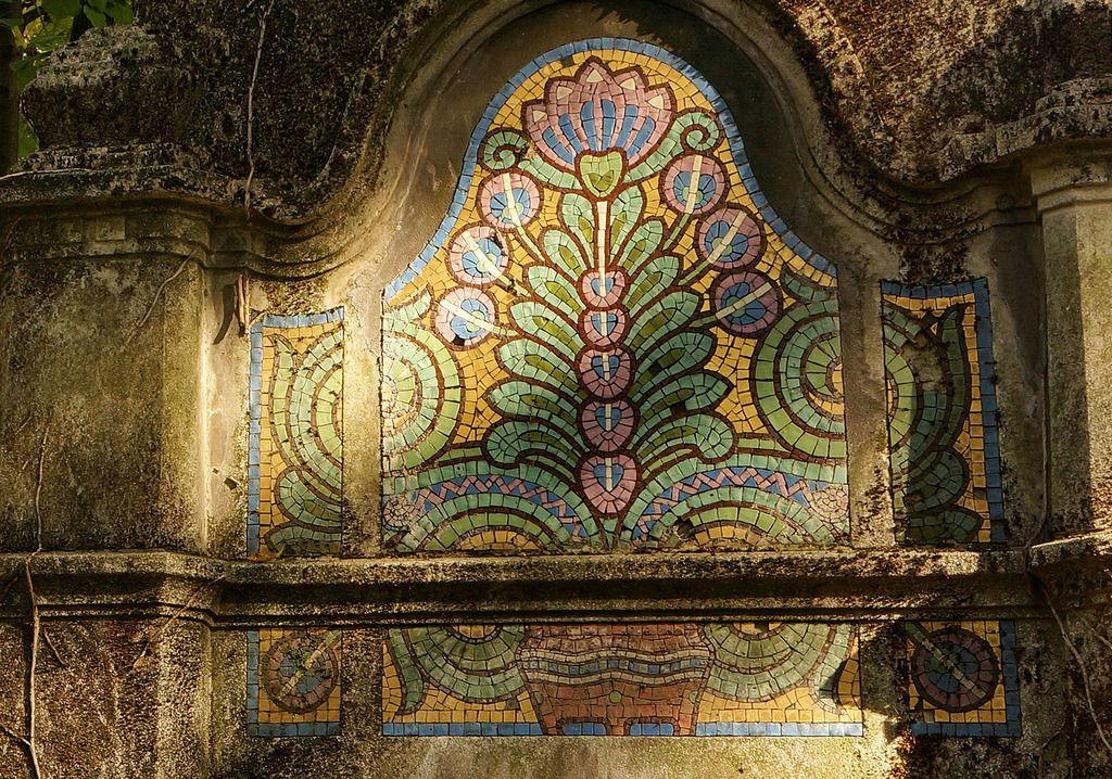 A beautiful szecesszió style mosaic at the Jewish cemetery, Budapest