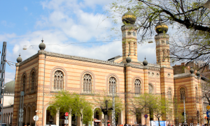 The great synagogue of Budapest - Jewish Tour