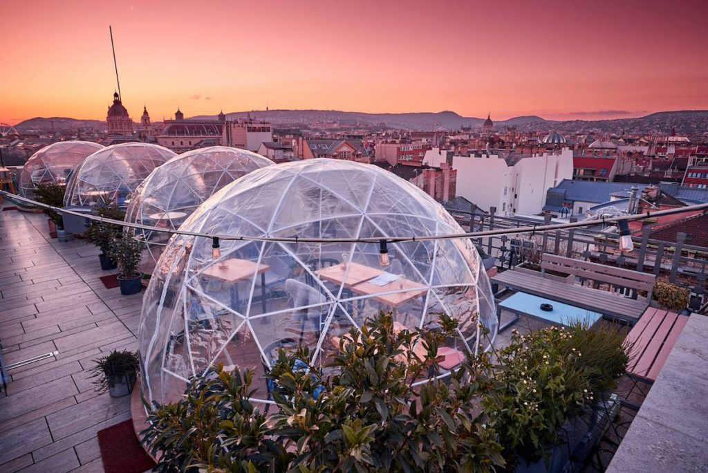 The 360 igloos above Budapest