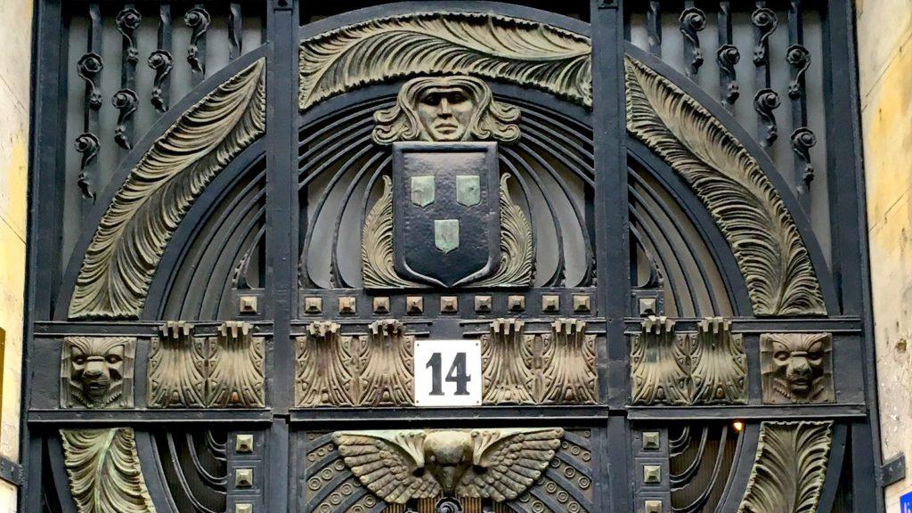 Budapest Art Nouveau Tour - a fantastic door of Budapest in Art Nouveau style