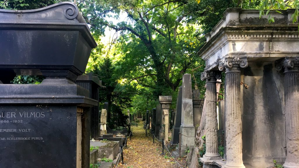 Salgótarjáni street Jewish cemetery - as seen on a Budapest Private Tour