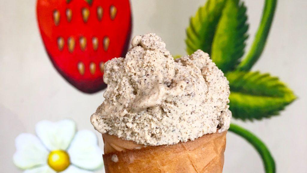 Cinnamon gelato in Budapest - Private Tour Budapest