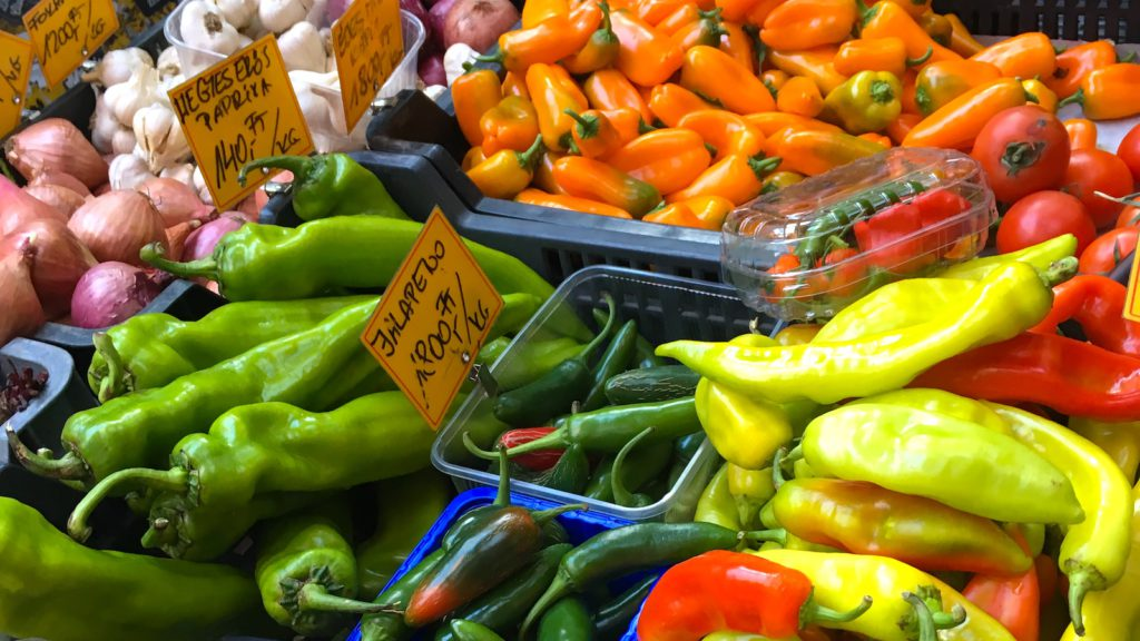 Farmers market in Budapest - Private Food Tour