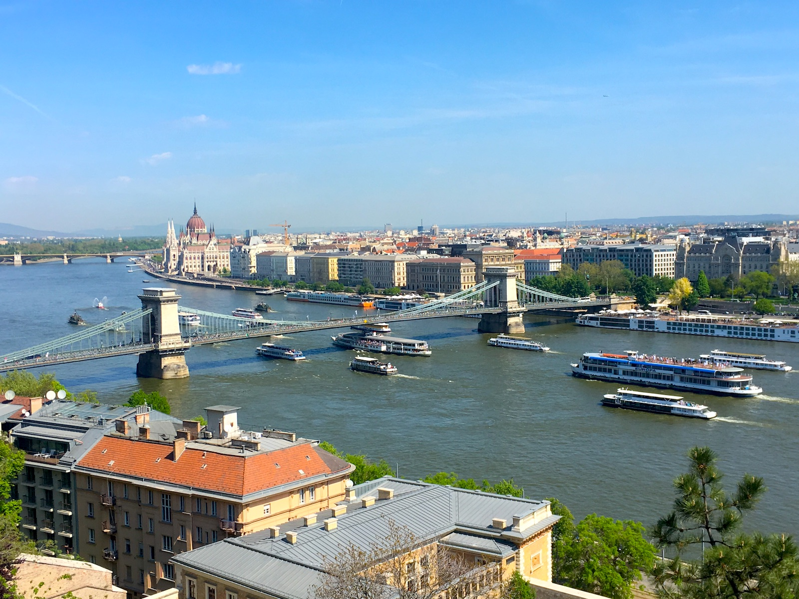 Danube cruise with public transportation in Budapest