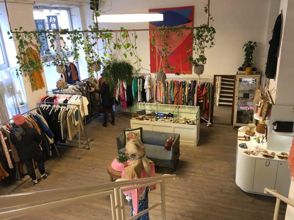 Retrock vintage store